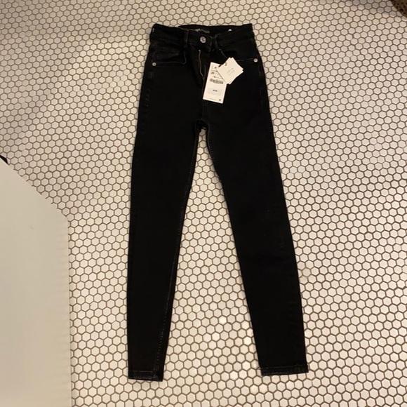 Zara black jeans size 36 (US 4)